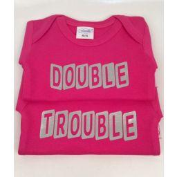Romper tweelingset Double en Trouble roze